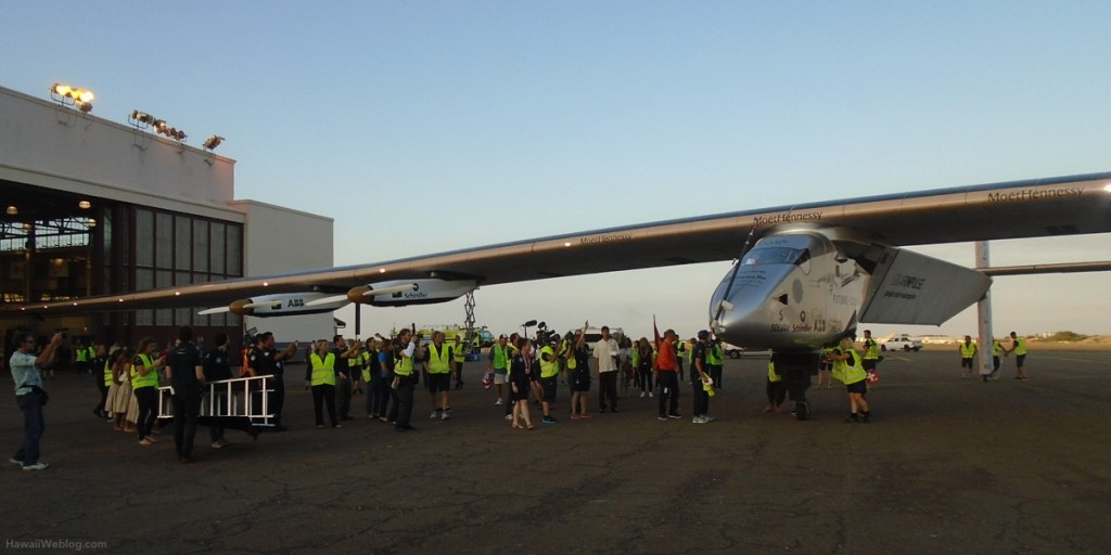 solar-impulse-parked